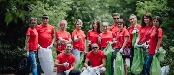 AB InBev Efes Україна відкрила екологічну інсталяцію «Стихії» та організував прибирання території ВДНГ