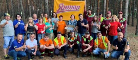 Компанія AB InBev Efes Україна організувала прибирання на узбережжі Південного Буга
