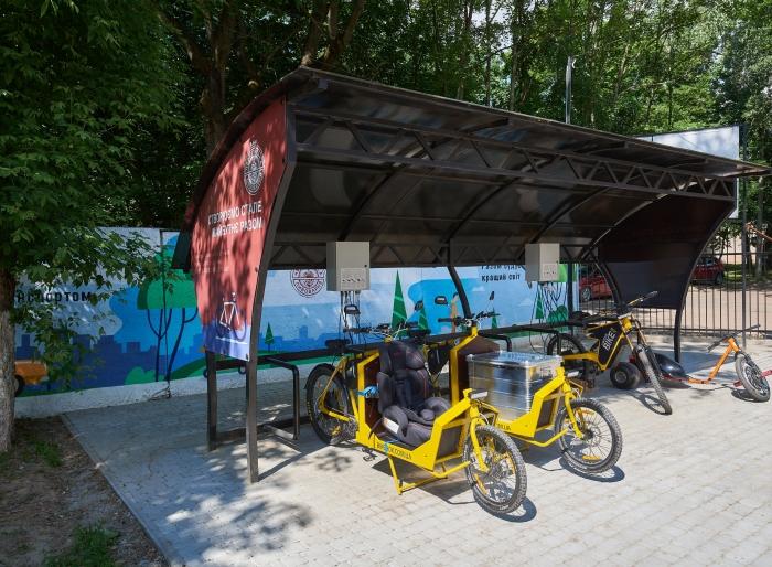 AB InBev Efes Україна офіційно відкриває електропарковку на території університету «Чернігівська політехніка» за підтримки Чернігівської ОДА